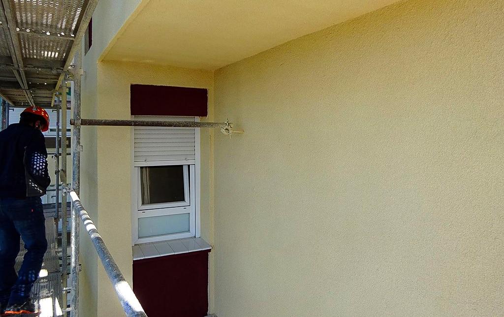 Rehabilitación de fachadas con corcho proyectado.